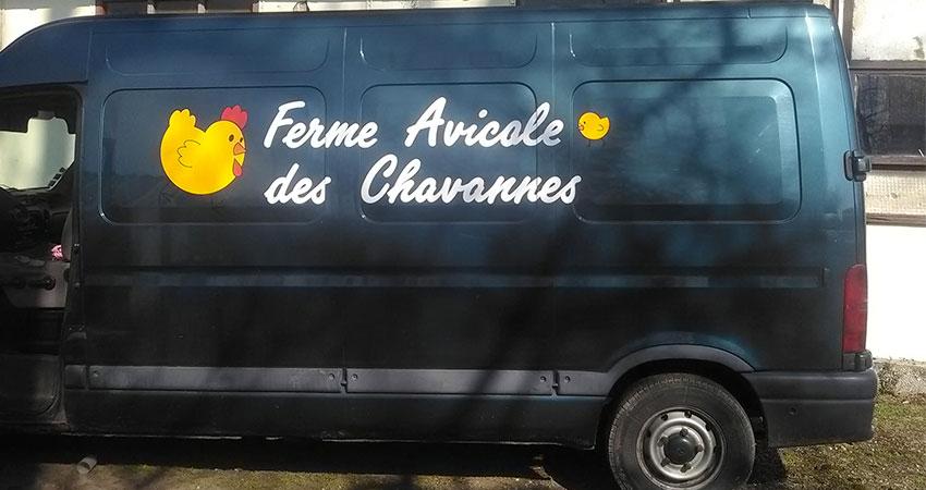 """Fourgon ferme avicole des chavannes Élevage et vente de volailles """"démarrées"""", poules """"prêtes à pondre"""", poussins dans les vosges, Haute-Saône"""
